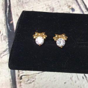 🍭NWOT Bow & diamond earring stud